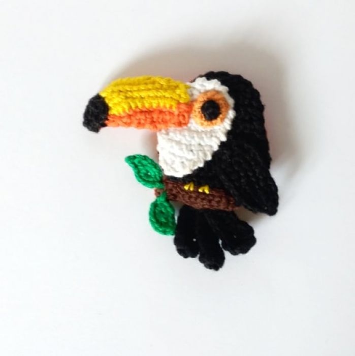 Broszka tukan - Tukan w egzotycznych kolorach