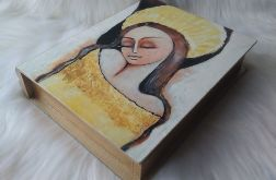szkatułka-księga z aniołem pomyślności