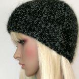 Szaro-czarna puchata czapka