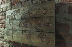 Mapa świata na starych, drewnianych deskach
