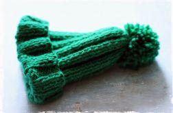 Zielona czapka z pomponem