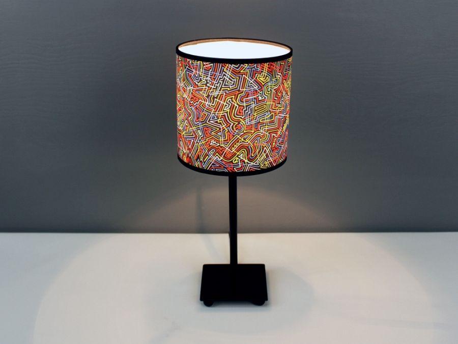 """Kolorowa lampa stojąca nocna """"łAMIEŁUKI"""" S - Lampa gwarantująca intensywne doznania."""