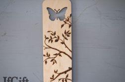 zakładka wypalana z motylem
