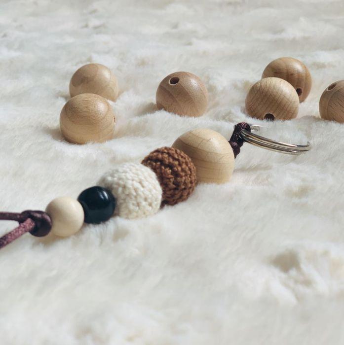 Brelok drewniane koraliki