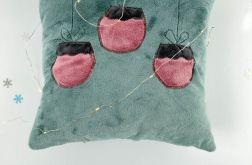 Poduszka z bombkami