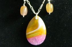 Żółto-różowe agaty z kryształem, komplet