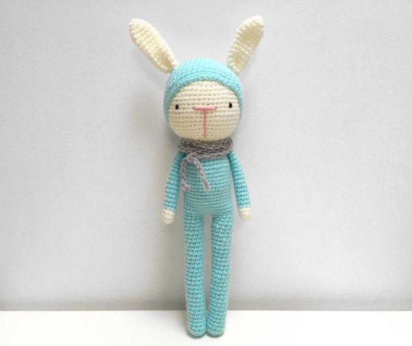 Błękitny królik. Maskotka szydełkowa