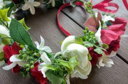 wianek na głowę czerwono-biały z kwiatów