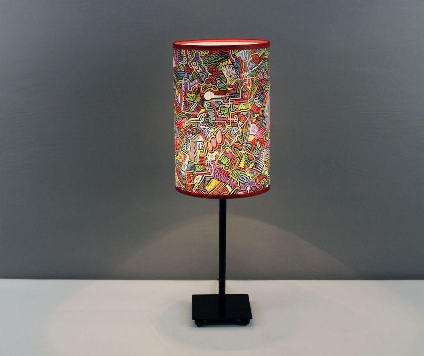 Kolorowa inspirująca lampa nIEŁUKIŁAMIE M - Pobudza wyobraźnię zarówno zaświecona jak i zgaszona