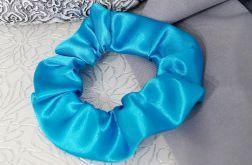 Gumka scrunchie niebieska atłasowa