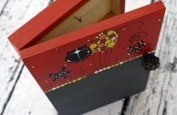pudełko na klucze z tablicą koty czarny