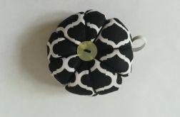 Poduszka na igły igielnik czarne maroko