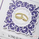 Kartka W DNIU ŚLUBU fioletowo-biała - Fioletowo-biała kartka ślubna w ozdobionej kopercie