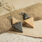Dwukolorowe drewniane kolczyki - drewniana biżuteria