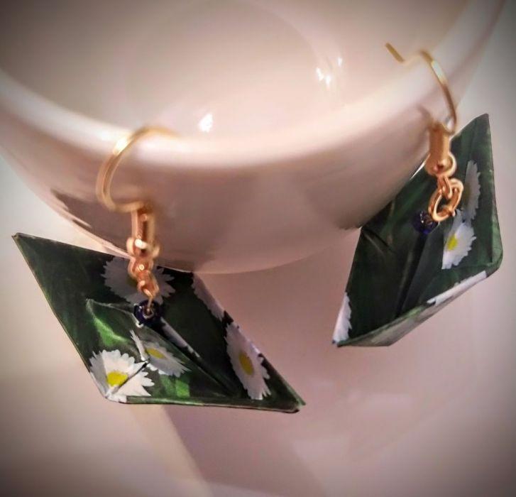 Kolczyki origami łódki łąka - Od góry