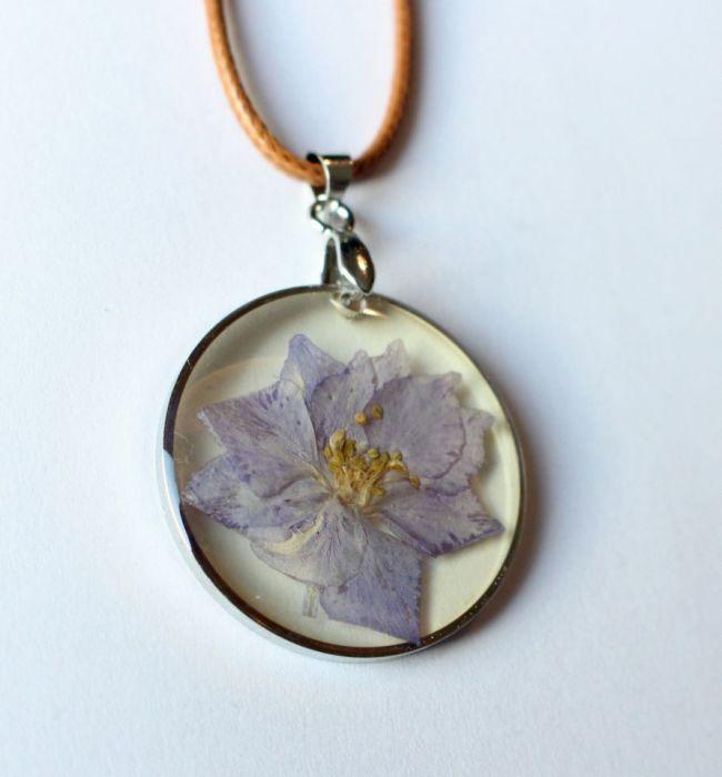 Naszyjnik KWIAT w żywicy, piękny naturalny - kwiat w żywicy 2