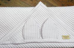 Jasnoróżowy ręcznik z kapturkiem, ręcznik waflowy, otulacz