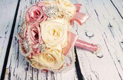 Bukiet ślubny z satynowych kwiatów
