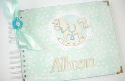 Album dla dziecka z konikiem zielony 20 x 25 cm