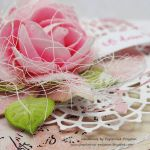 W odcieniach różu- kartka z pudełkiem