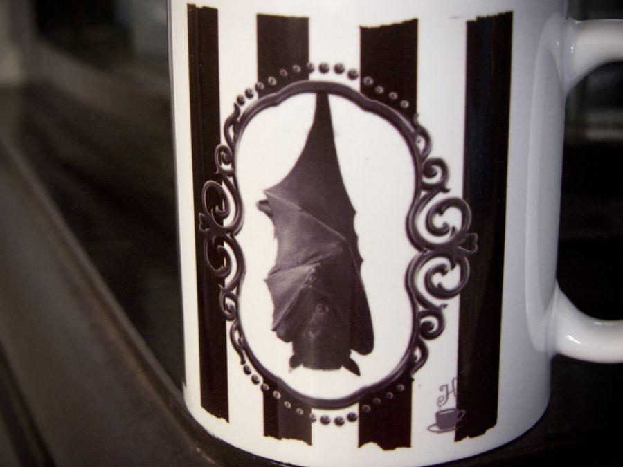 Kubek z nietoperzem, retro, victorian gothic