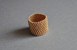 Pierścionek koralikowy złoty 2