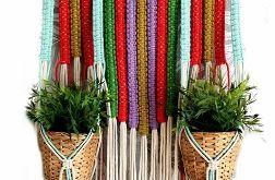 Duży kwietnik ścienny makrama, kolorowy kwietnik ze sznurka