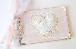 Album z sercem 10x15 cm różowy, ślubny
