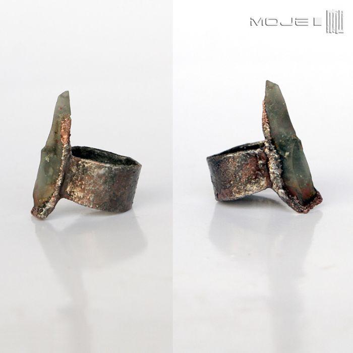 Jaspisowa drzazga - miedziany pierścionek