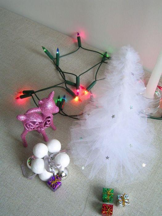 Biała choinka - ozdoba świąteczna