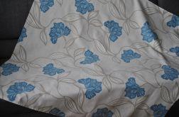 Duży obrus - błękitne kwiaty na beżu