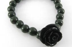Czarna róża w zieleni bransoletka