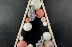 Drewniana choinka z reniferami-pudrowy róż
