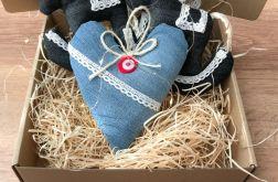 Świąteczne bombki z sercem