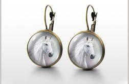 Kolczyki - Biały koń - bigle angielskie - antyczny brąz