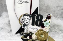 Kartka sztalugowa na 18 urodziny czarno-złota