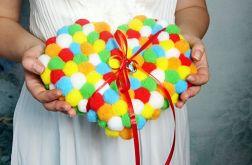 Kolorowa poduszka na obrączki serce