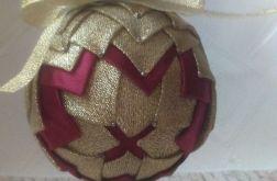 Czerwono - złota bombka ze wstążki