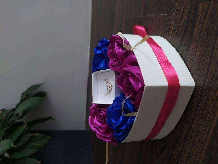 Box kwiatowy z pudełeczkiem na biżuterię - Zdjęcie poglądowe