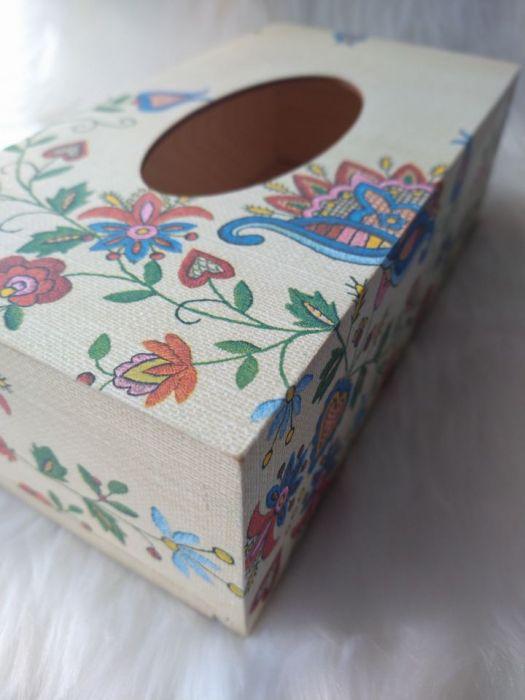 chustecznik ze wzorem kaszubskim  - ścianki boczne