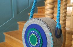 Torebka z filcu- rozeta niebieska