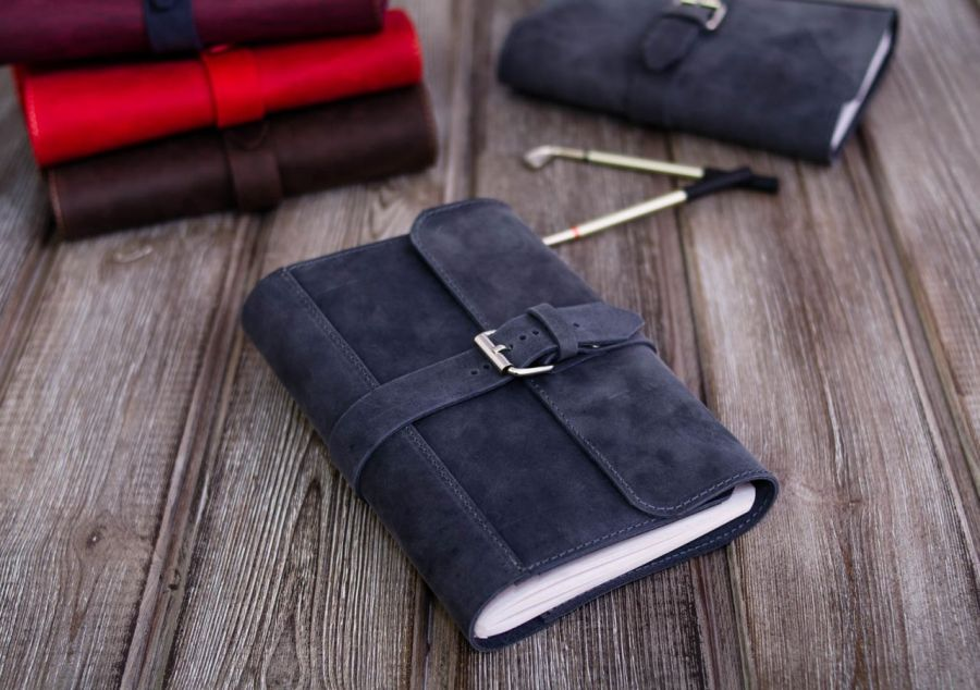 Ręcznie robiony skórzany notes A5.. szary