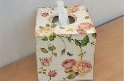 Chustecznik w róże