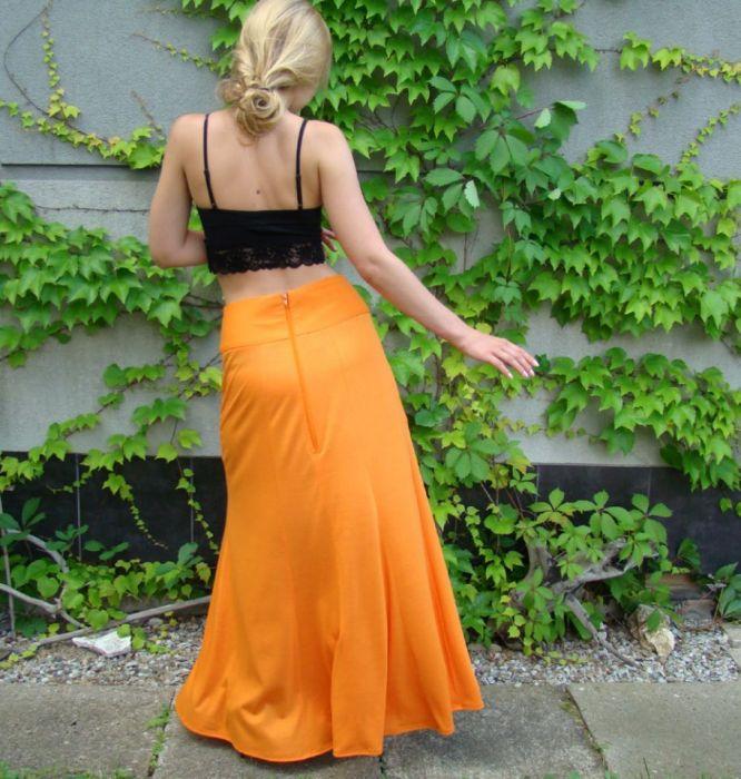 spódnica z kieszenią, pomarańczowa - tył spódnicy