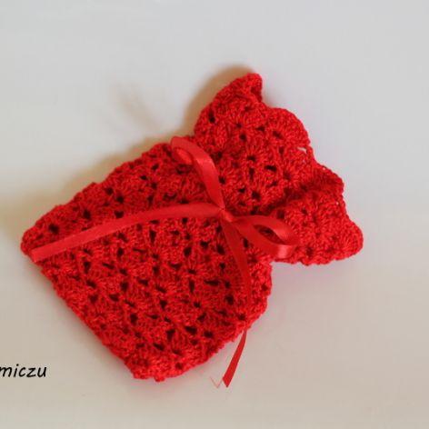 Szydełkowy woreczek (czerwony)