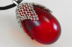 Czerwony w siateczce średni - wisior