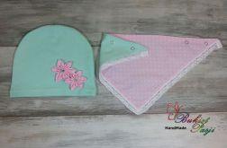 Komplet dla dziewczynki czapka i trójkąt