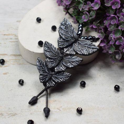 Długi wisior Czarne motyle
