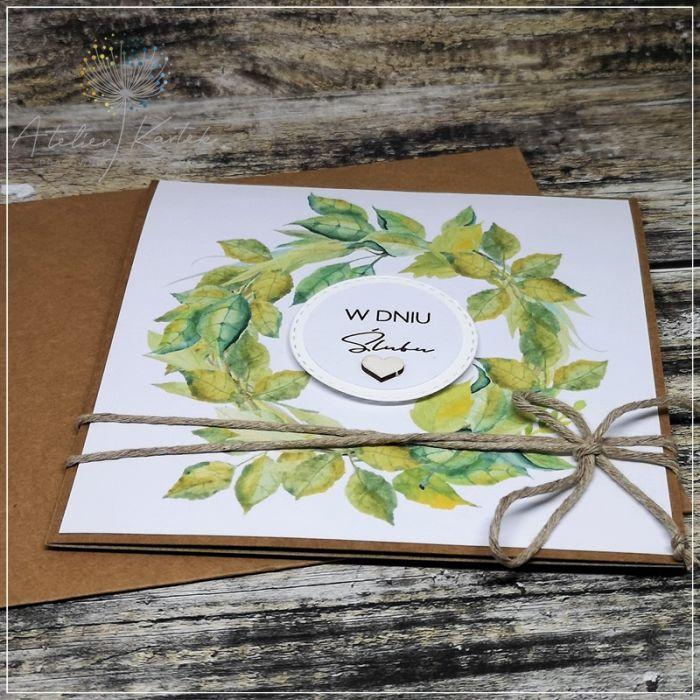 Ślubna kartka z zielonym wieńcem - kartka z okazji ślubu