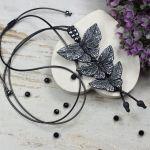 Długi wisior Czarne motyle - czarne motyle wisiorek